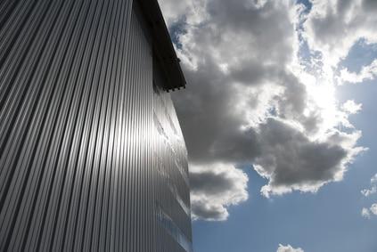 hangar en tôle